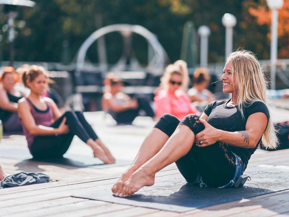 Le Baiefest : le rendez-vous yoga de l'été les deux pieds dans le sable!